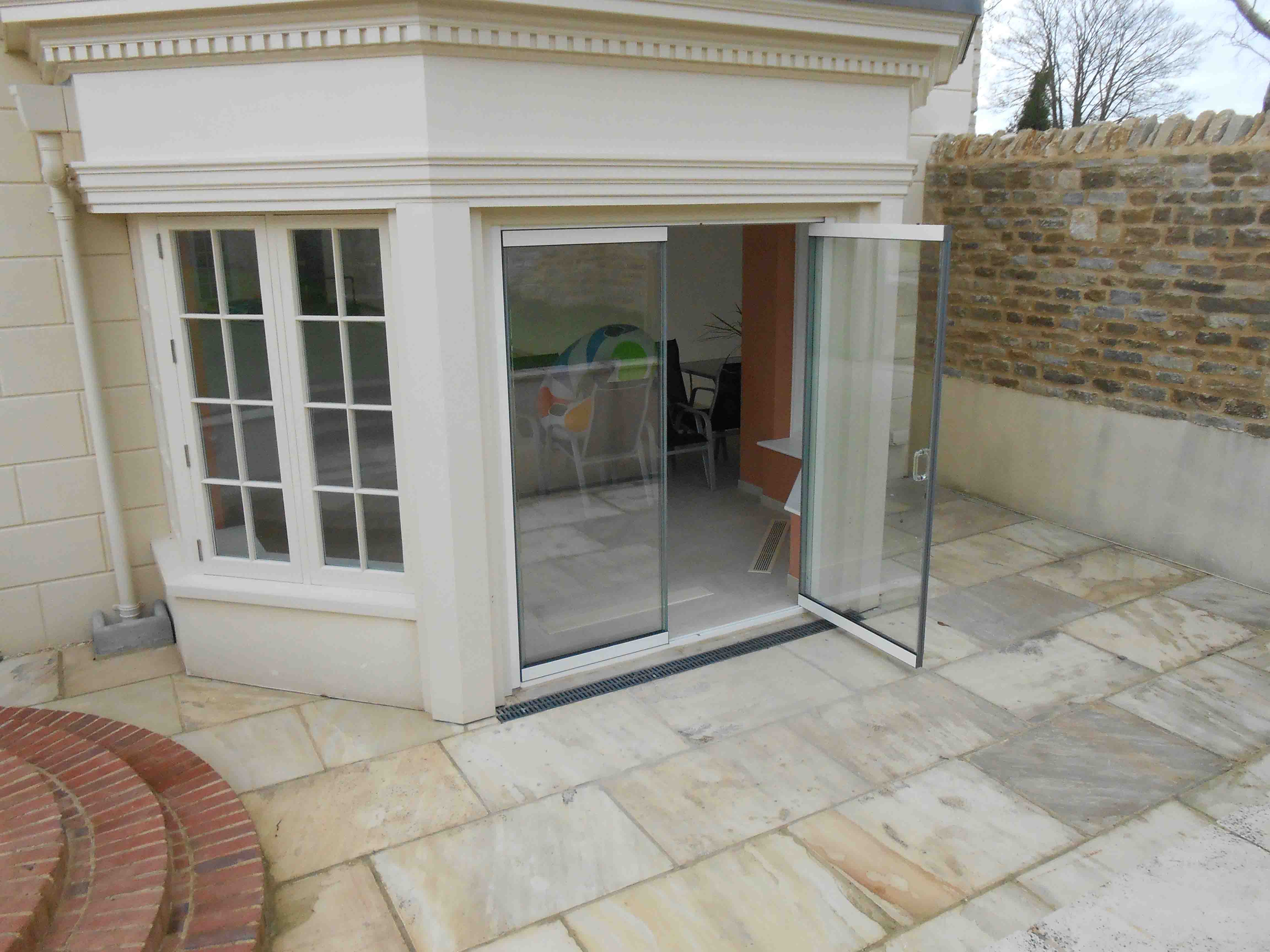 Frameless glass patio doors oxford 02 frameless glass bi for Patio doors uk