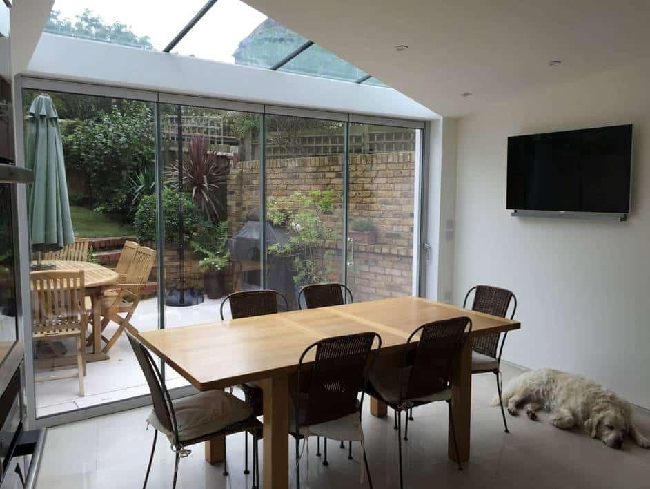 How do frameless glass doors work?