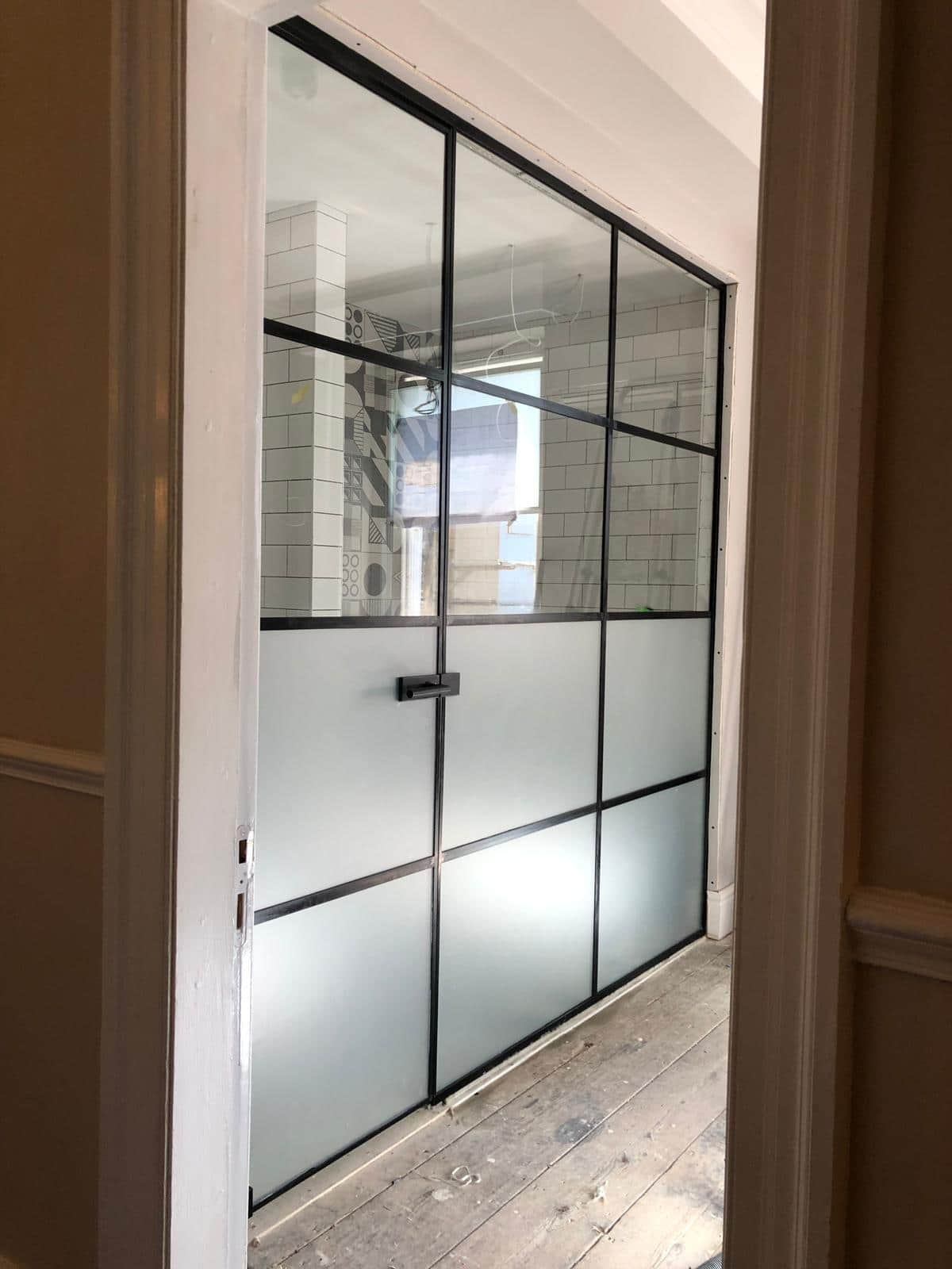 frameless steel-look screens